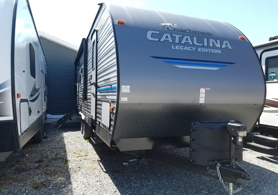 2019 CATALINA 263RLSLE BY COACHMEN